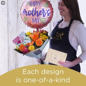 Mothers Day Handtied Gift Set